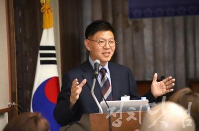 [크기변환]김종근 교수 한국영상예술심리치유연구소장.jpg