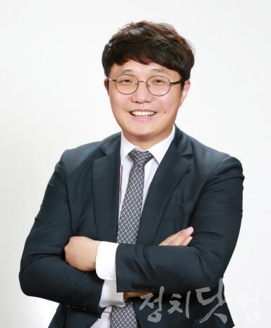 법률지원단장 임대영 변호사.jpg