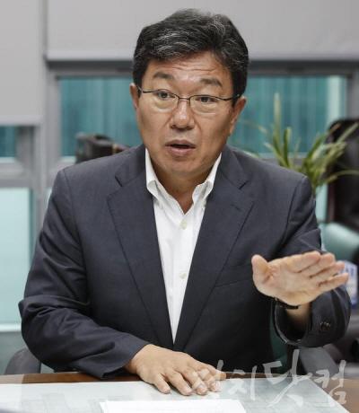 윤상직 한국당 부산.jpg