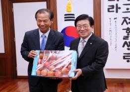 [국회의장]    최문순 강원도지사 예방 받아